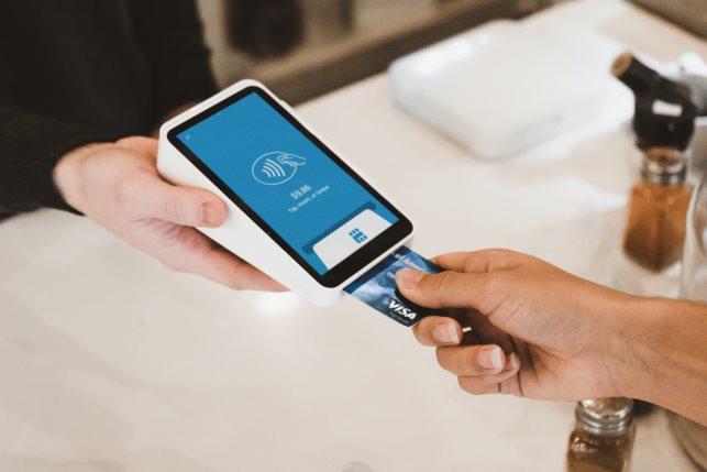 FinTech Tech Credit card cashless Unsplash